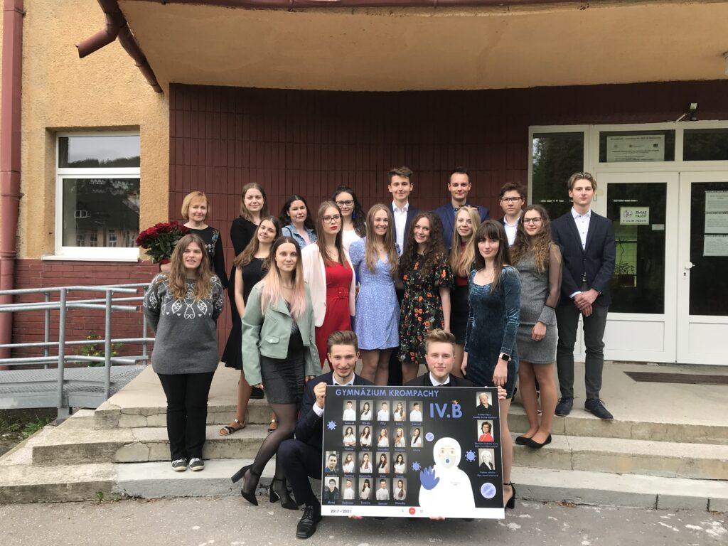 Maturanti-Gymnazia-Krompachy-4.B-2021